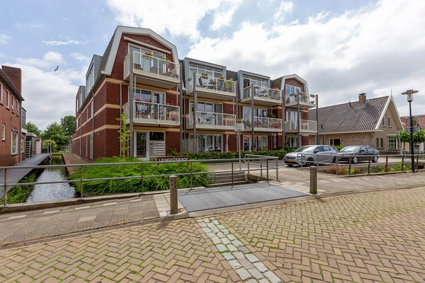 Dorpsstraat te Leimuiden
